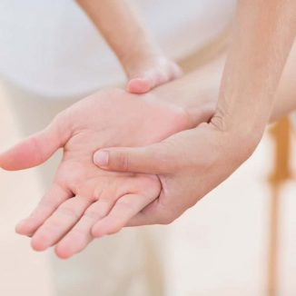 Hand Therapist
